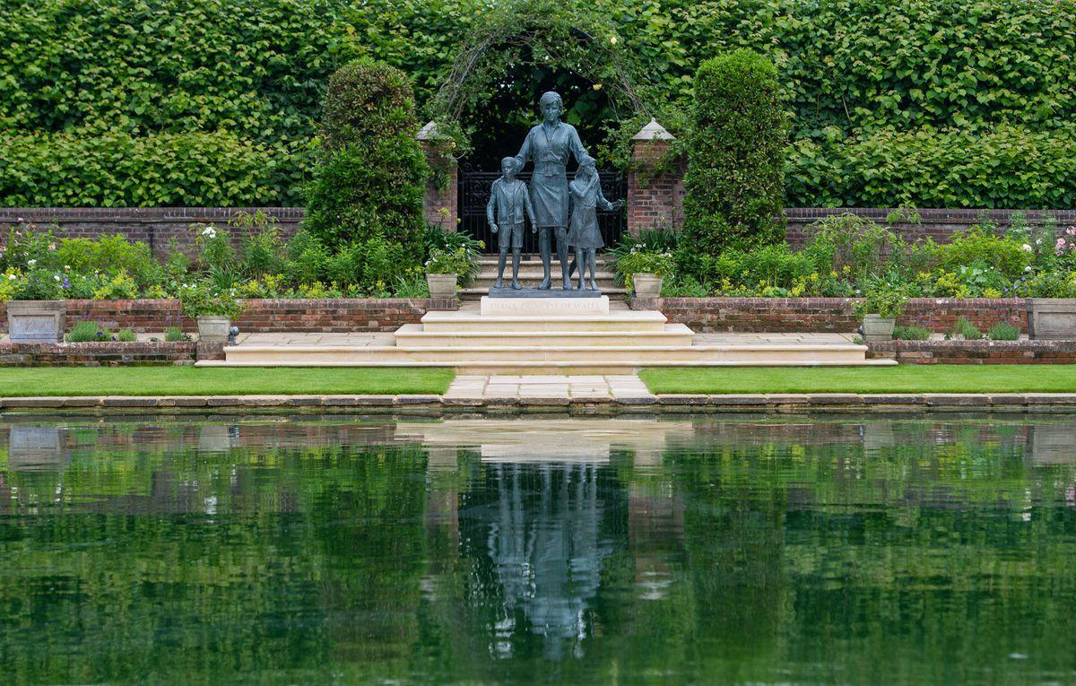 The statue of Diana, Princess of Wales, by artist Ian Rank-Broadley, in the Sunken Garden at Kensington Palace, London.