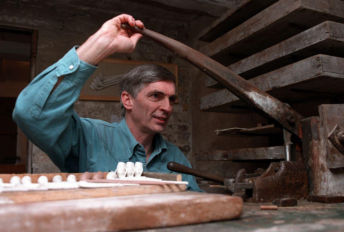 Rex Key, Pipe Maker, at Broseley Pipe Works