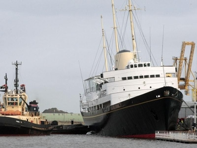 Queen lobbied for replacement Royal Yacht Britannia, archive files show
