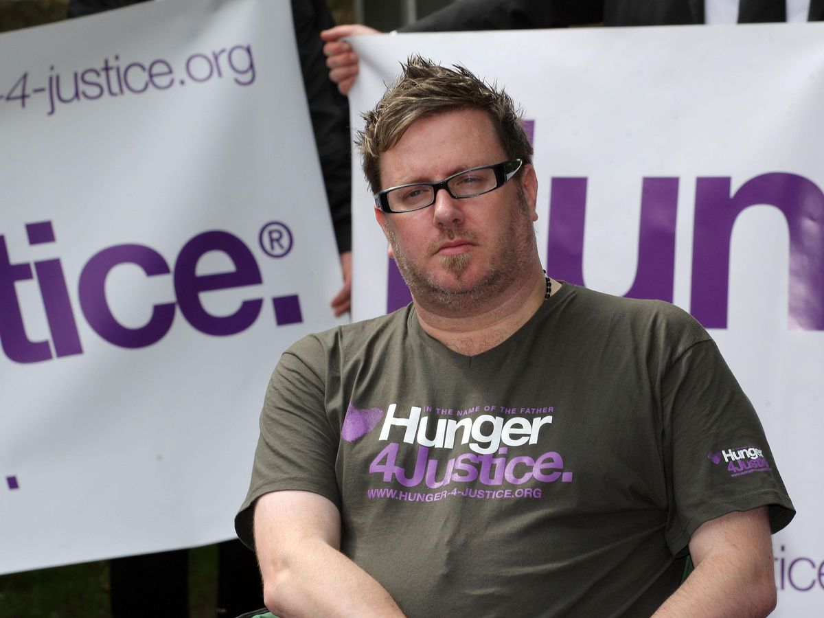 Matt O'Connor campaigning outside the home of then-Prime Minister David Cameron