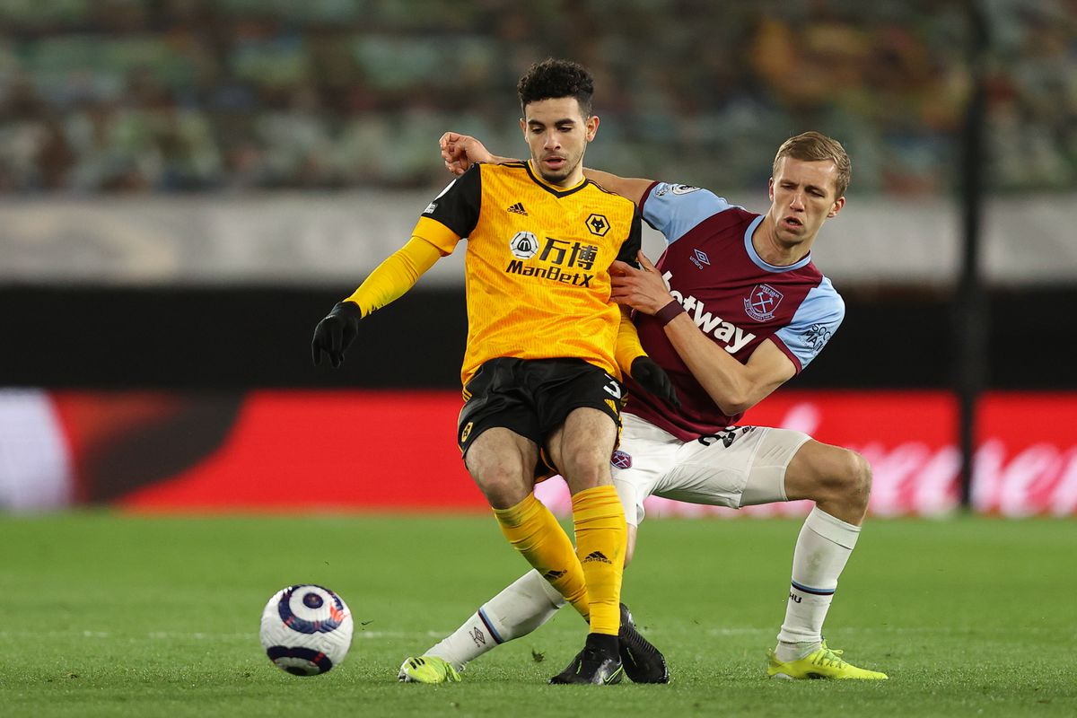 Rayan Ait-Nouri of Wolverhampton Wanderers and Tomas Soucek of West Ham United (AMA)