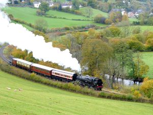 Minister for Economy asked to help Llangollen Railway