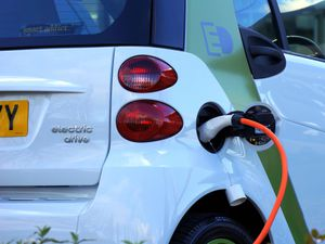 Invitation to join online forum on electric vehicle ownership
