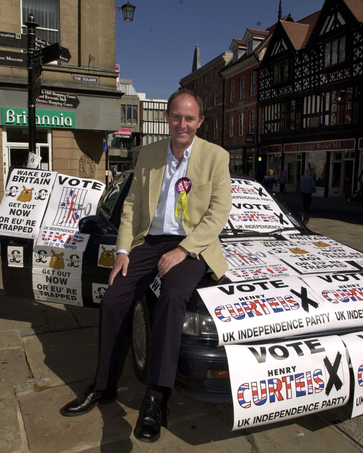 Henry Curteis during the 2001 general election campaign when he stood for UKIP in Shrewsbury