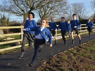 New running track for schoolchildren