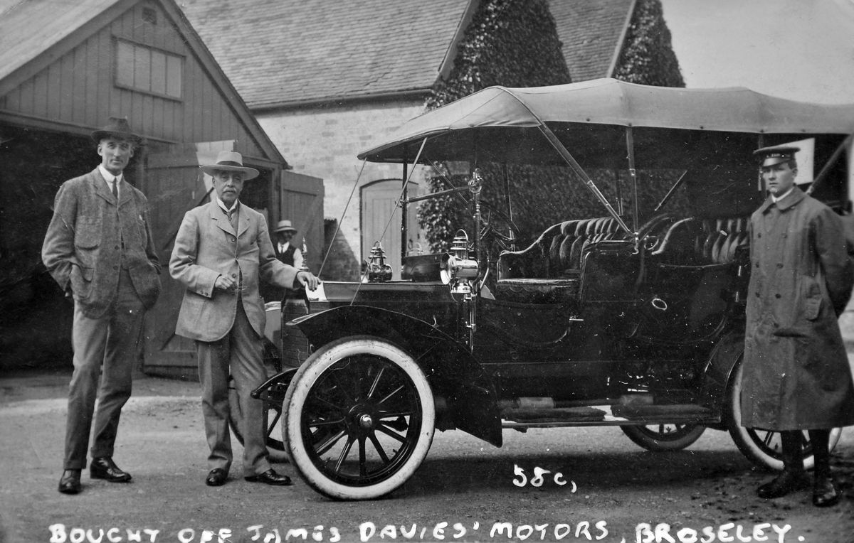 The car sale in Broseley early in the 20th century.