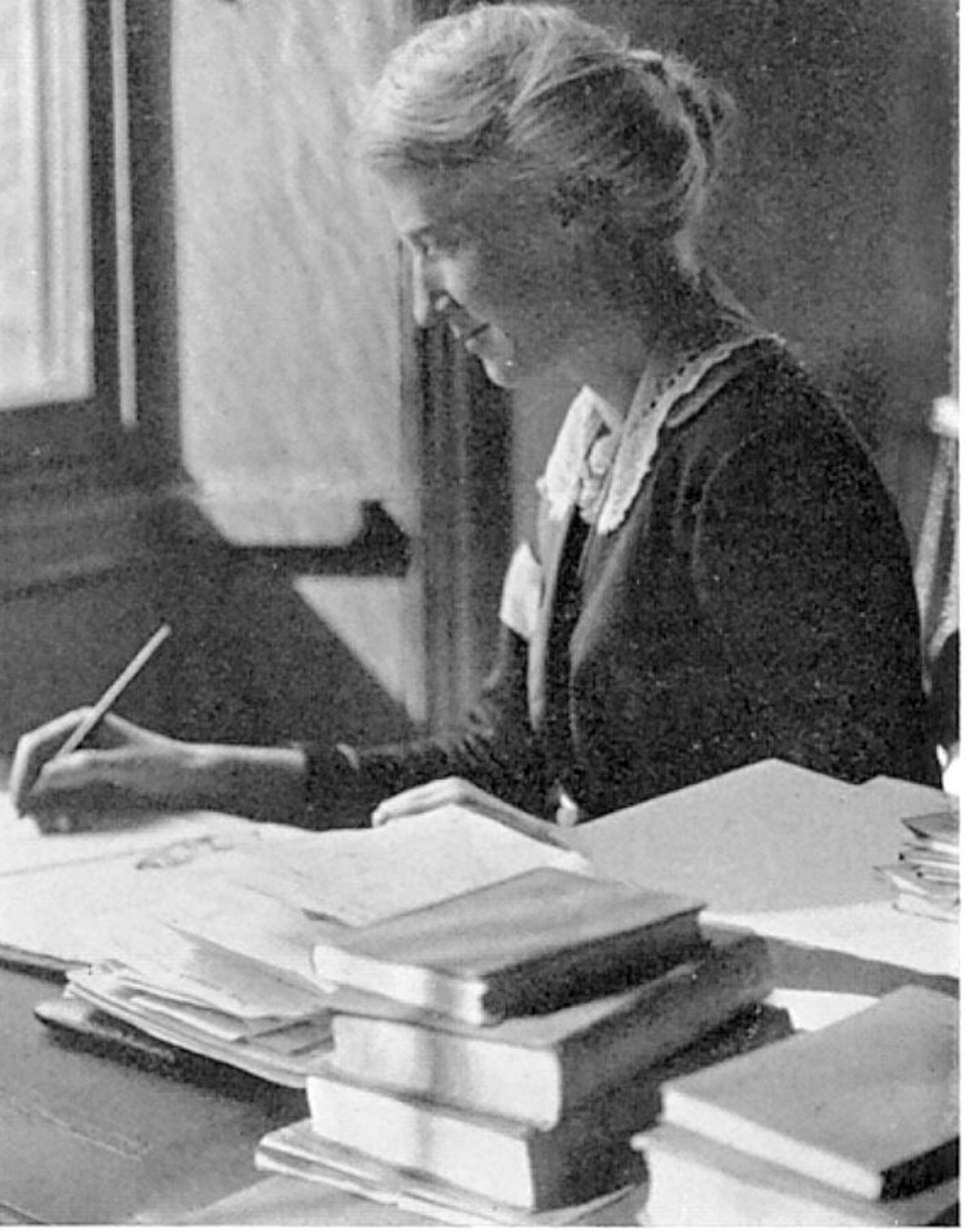 Eglantyne at her desk in the Save The Children Fund office in about 1921.