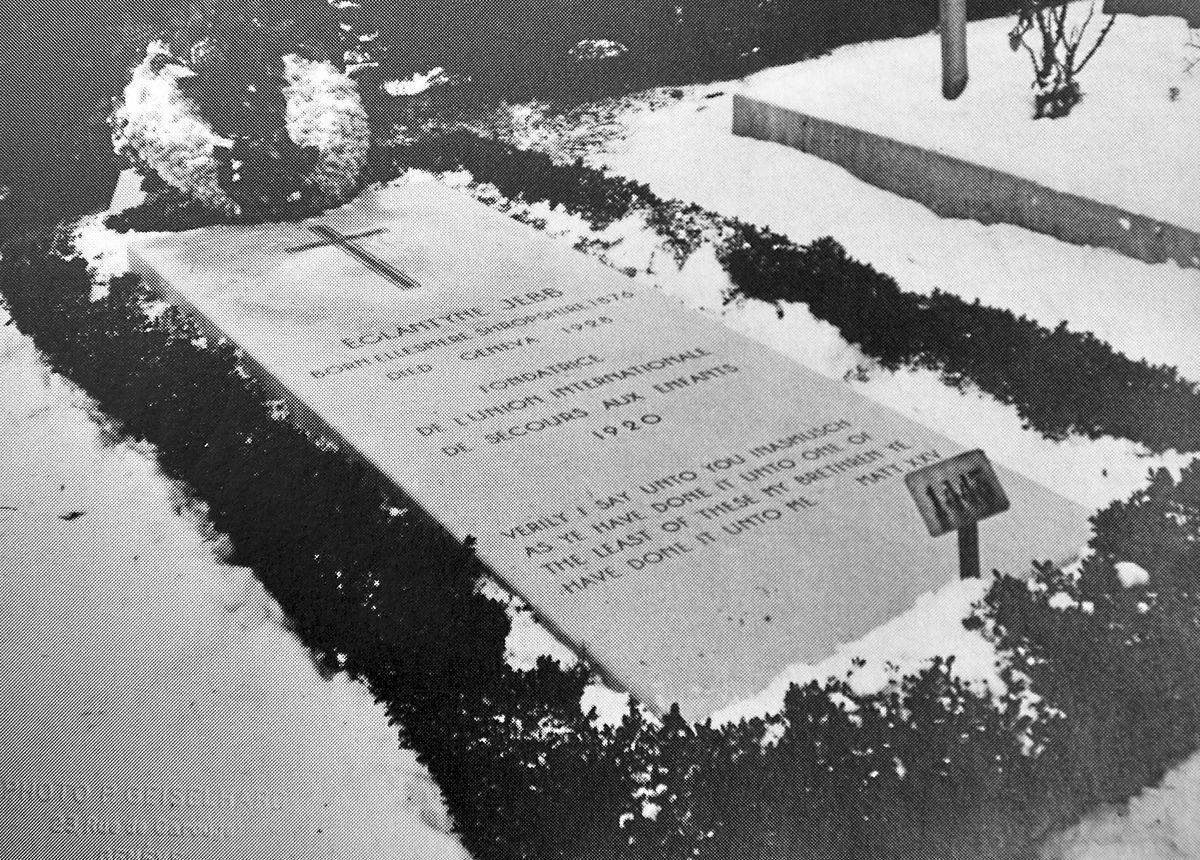 Eglantyne's grave in Geneva.