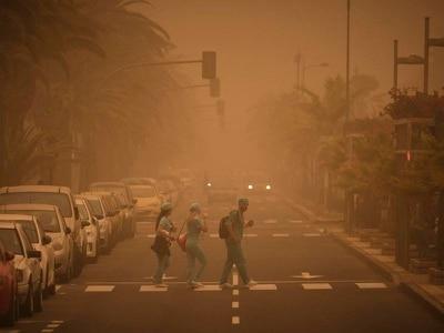 Saharan sandstorm leaves British holidaymakers stranded at airports