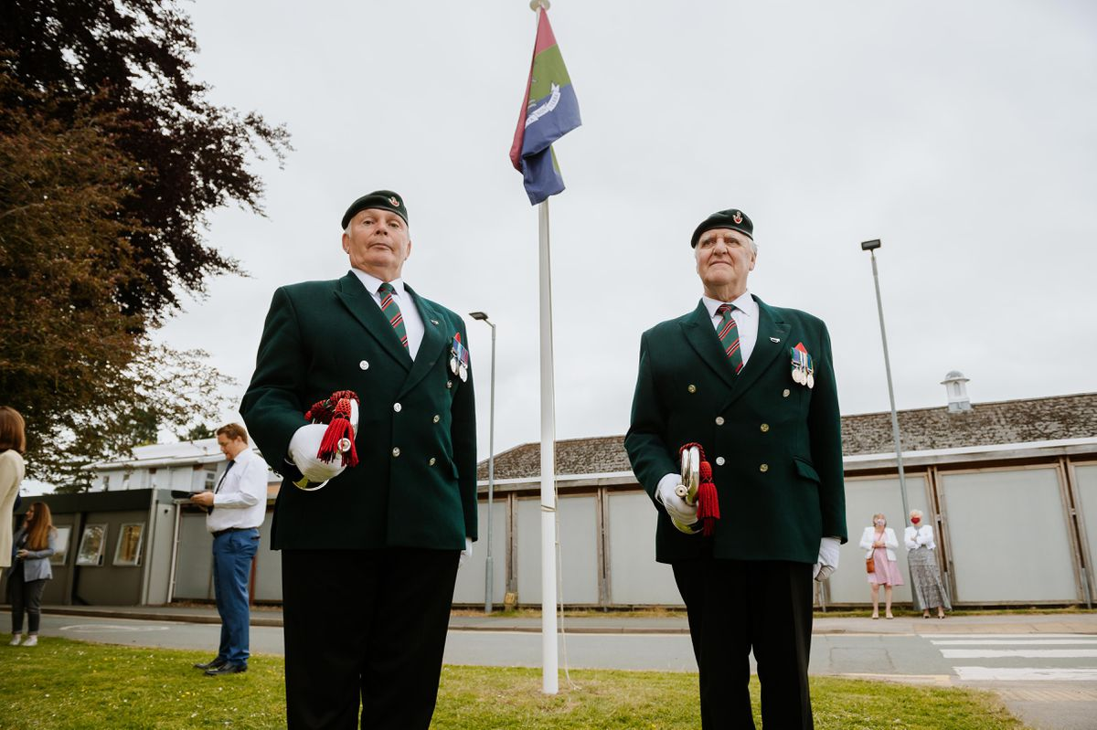 Buglers Stan Wilkinson and Don Somers