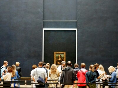 Louvre reopens in Paris for first time in four months