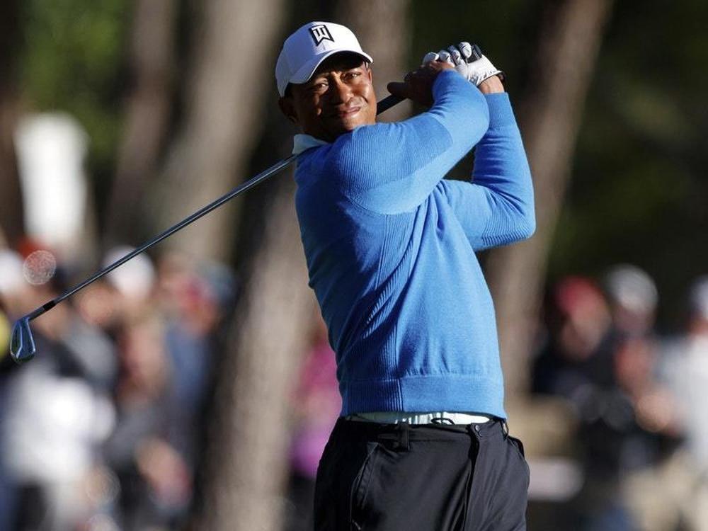 Tiger Woods battles to sub-par start at Valspar Championship