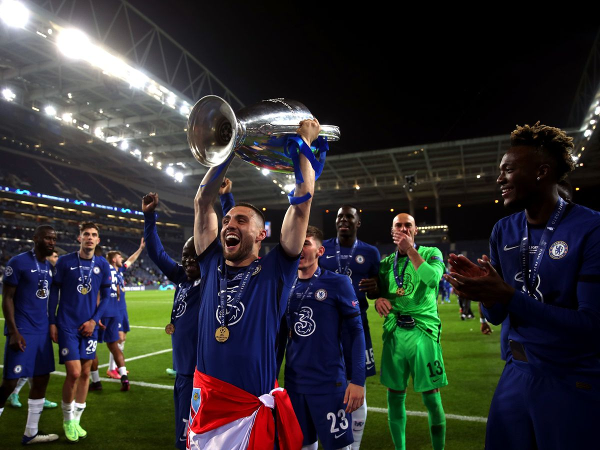 Mateo Kovacic celebrates winning the Champions League with Chelsea