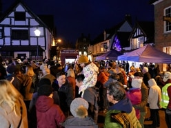Hundreds turn out to Church Stretton Christmas lights switch-on