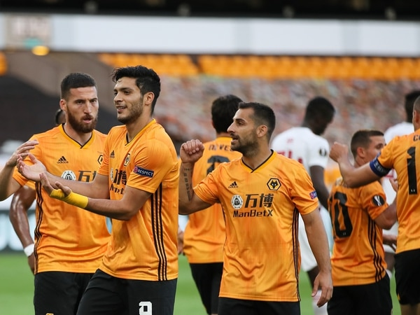 Europa League: Wolves 1 Olympiacos 0 – Report and pictures