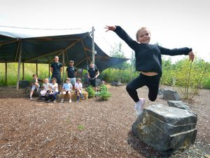 SHREWSS PIC MNA PIC DAVID HAMILTON PIC  SHROPSHIRE STAR 30/6/21  Pupils from Coleham Primary School, including (front) Summer Clarke,l aged 7, enjoy some of the activities, with instructors, at Love2Stay, Shrewsbury..
