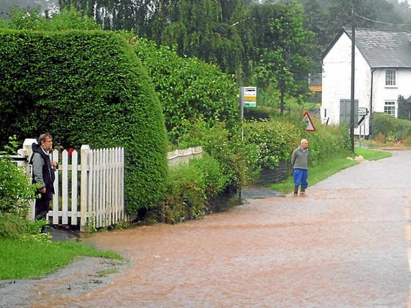 Flood barriers would protect 250 homes