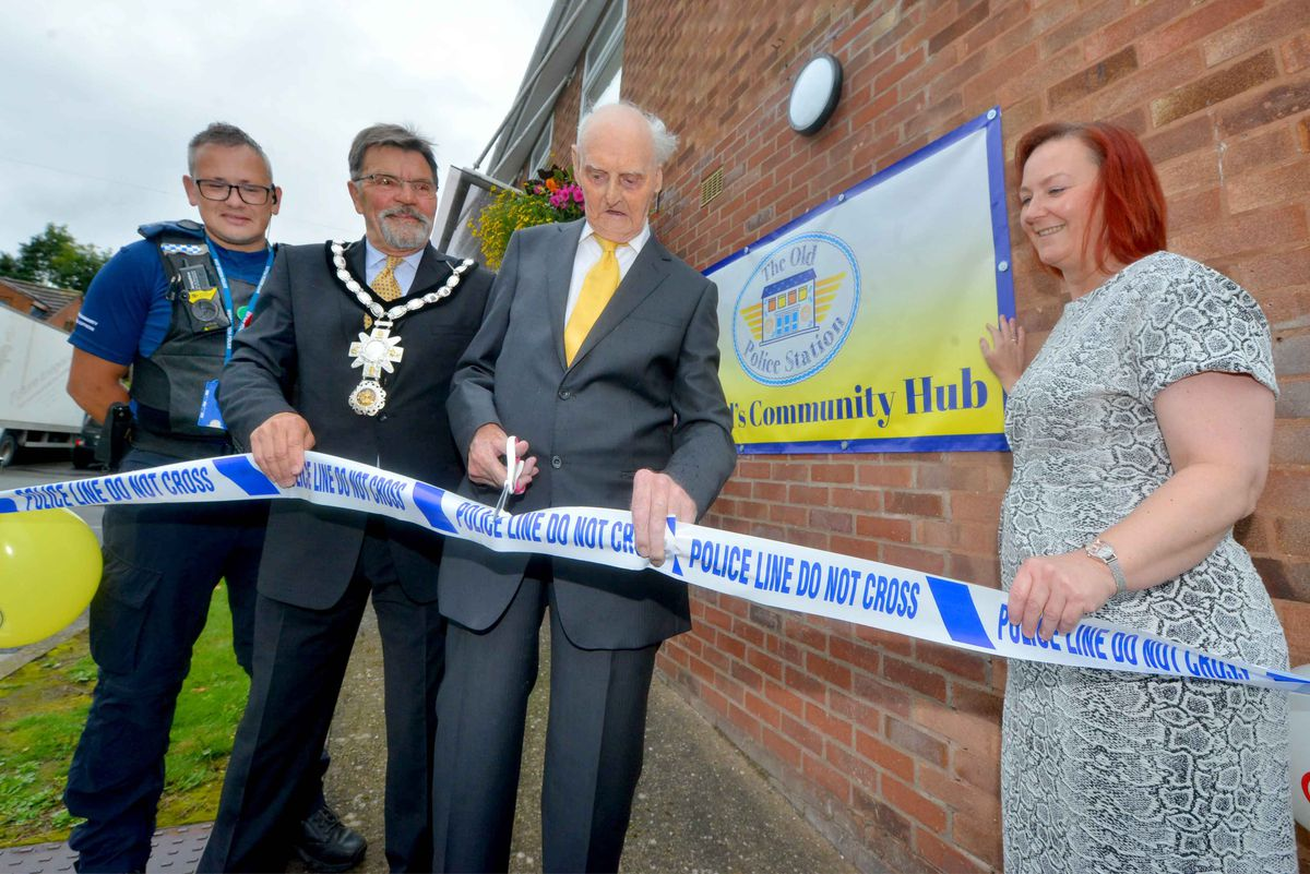 Les Cherrington was joined by mayor Robert Harrop,town clerk Denise Reynolds, and PCSO Steve Breese at the opening of the Shifnal Community Hub
