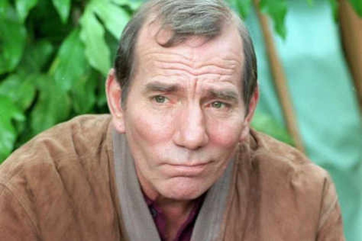 Pete Postlethwaite laid to rest in private family funeral