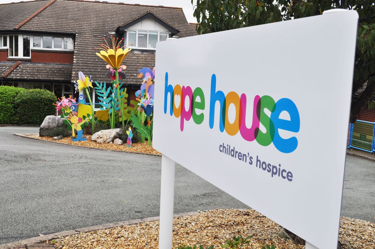 People are being urged to sign up for the Hope House Dark Run