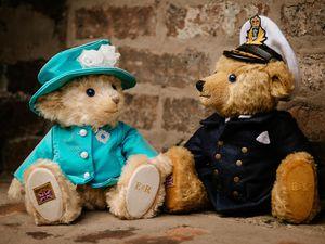 The bear versions of Queen Elizabeth II and the Duke of Edinburgh