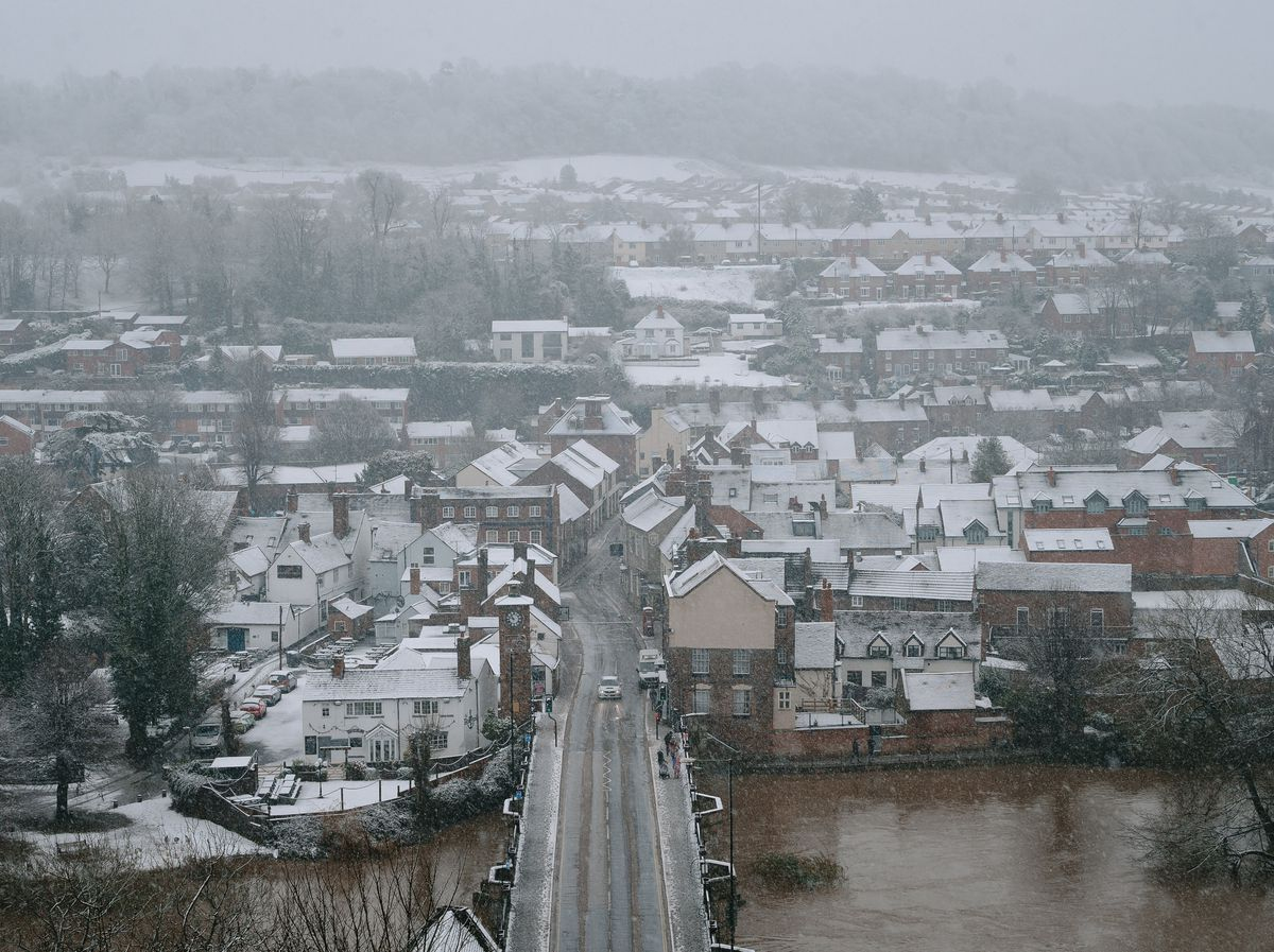 Snow on homes across Bridgnorth
