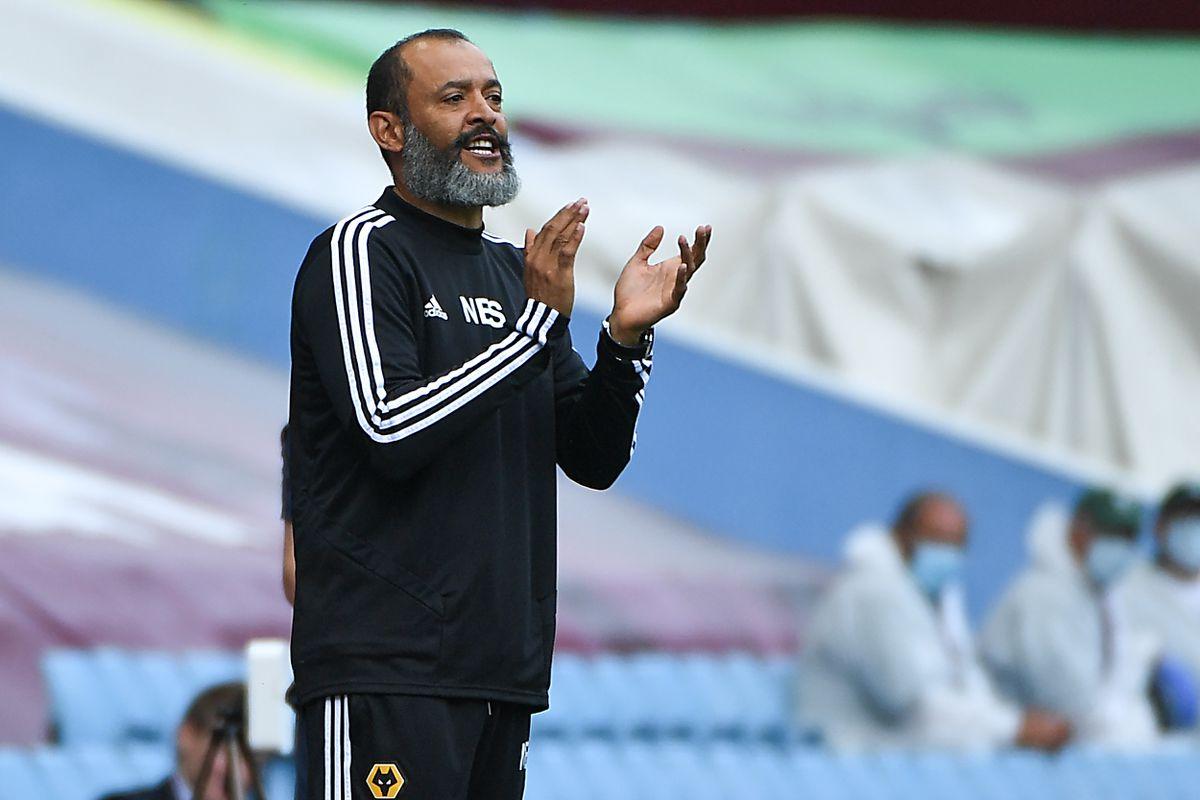 Nuno Espirito Santo the head coach / manager of Wolverhampton Wanderers gestures (AMA)