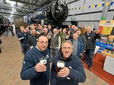 Hobsons Brewery hosts knees-up on Severn Valley Railway