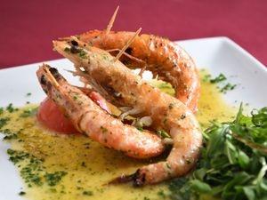 Gamberoni – King prawns in garlic butter sauce – offers a taste of the mediterranean
