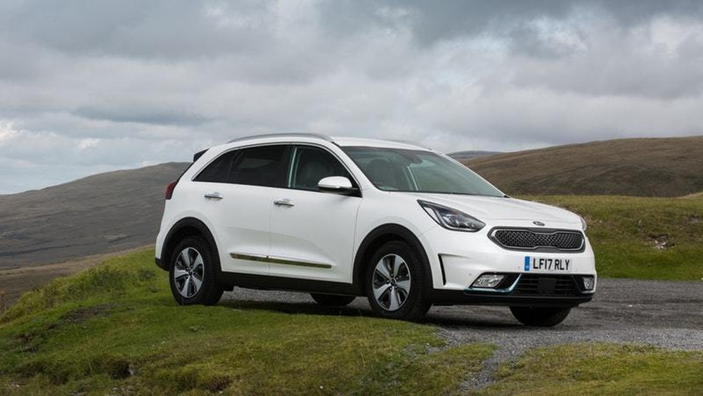 uk drive the kia niro phev is a plug in hybrid for people. Black Bedroom Furniture Sets. Home Design Ideas