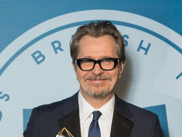 Gary Oldman's journey to the Oscars continues at the SAG Awards