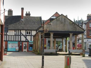 SOUTH PIC MNA PIC DAVID HAMILTON PIC  SHROPSHIRE STAR 24/3/2020 Quiet at Cheshire Street, Market Drayton..