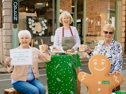 Hold your own coffee morning for Macmillan with £5 cakes