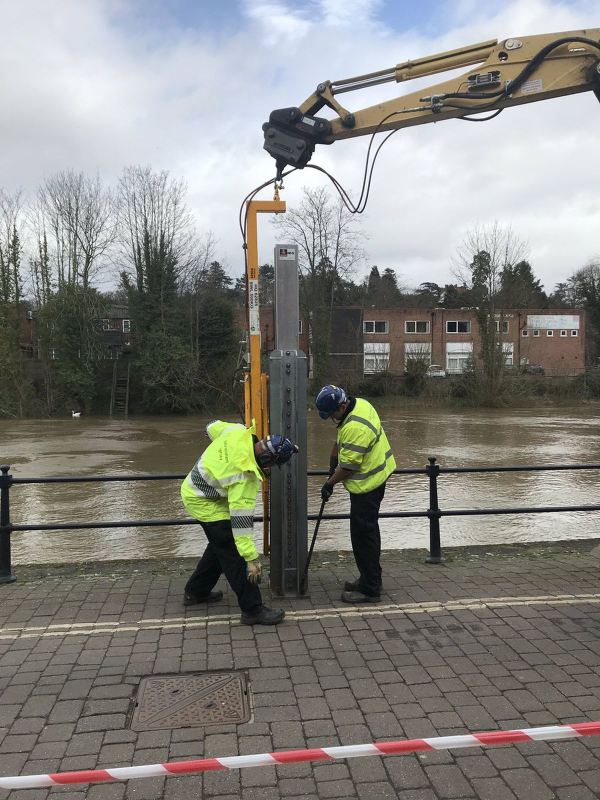 Flood crews working in Bewdley. Photo: The Environment Agency