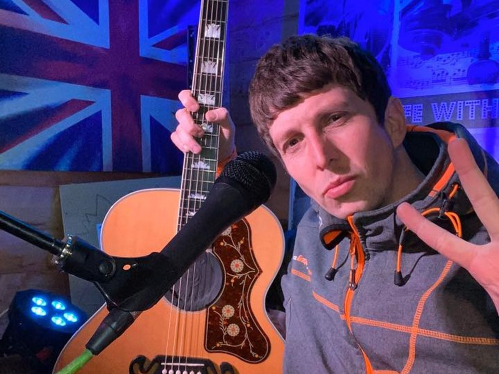 Shrewsbury musician Andy back in the shed for gig tonight