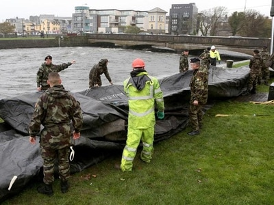 Storm Brian causes flooding on south-west coast of Ireland