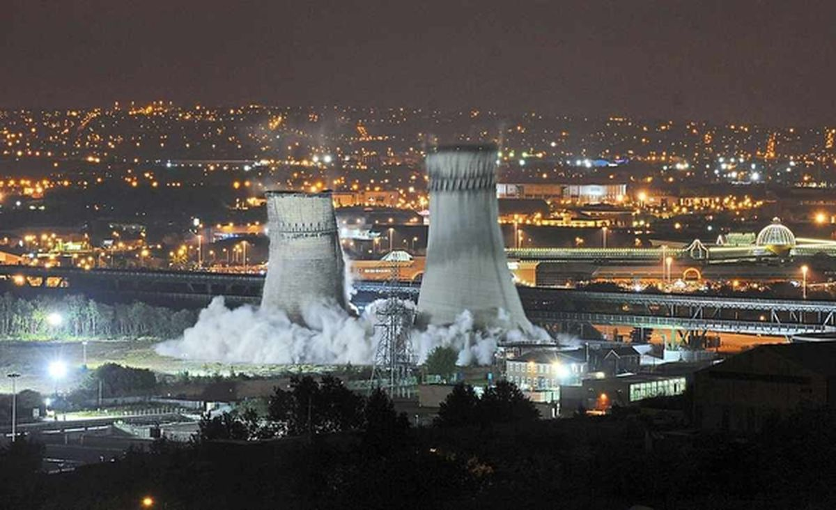 Tinsley Towers, a pair of iconic cooling towers near to the Meadowhall shopping centre in Sheffield, come crashing down in 2008