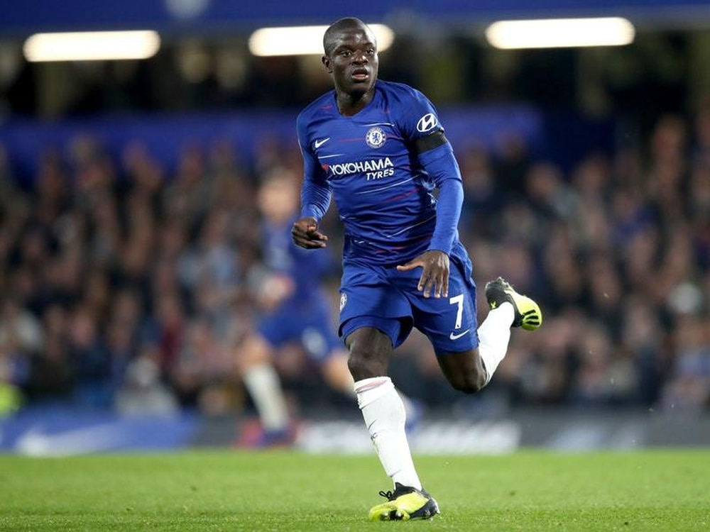 Kante signs five-year deal with Chelsea