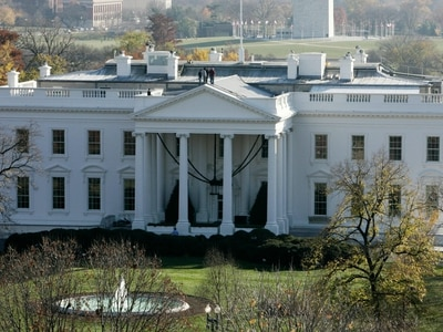 Woman charged with mailing ricin to White House 'wrote note'