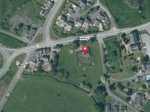 Wychwood - Four Crosses from UK Grid Reference Finder