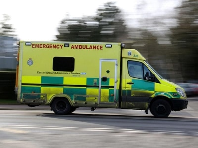 Thoughtless residents target paramedics with aggressive notes on ambulances