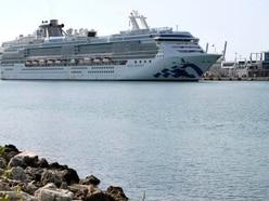 Princess liner carrying virus victims docks in Florida