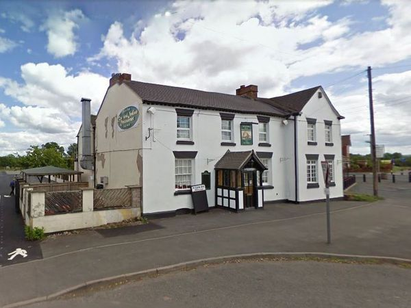 The Lion Inn, Waters Upton.
