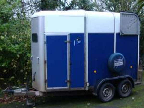 7a780169f00597 The stolen Ifor Williams horse box.