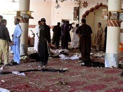 Bomb attack causes death and injury in Pakistan mosque