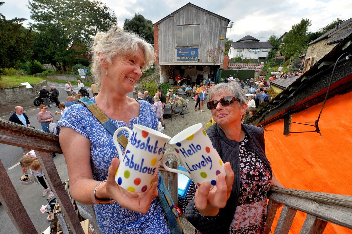 Showing off their 'Pots & Dots' at Bishop's Castle's Michaelmas Fair were Yvonne Baccanello and Sue Beemond