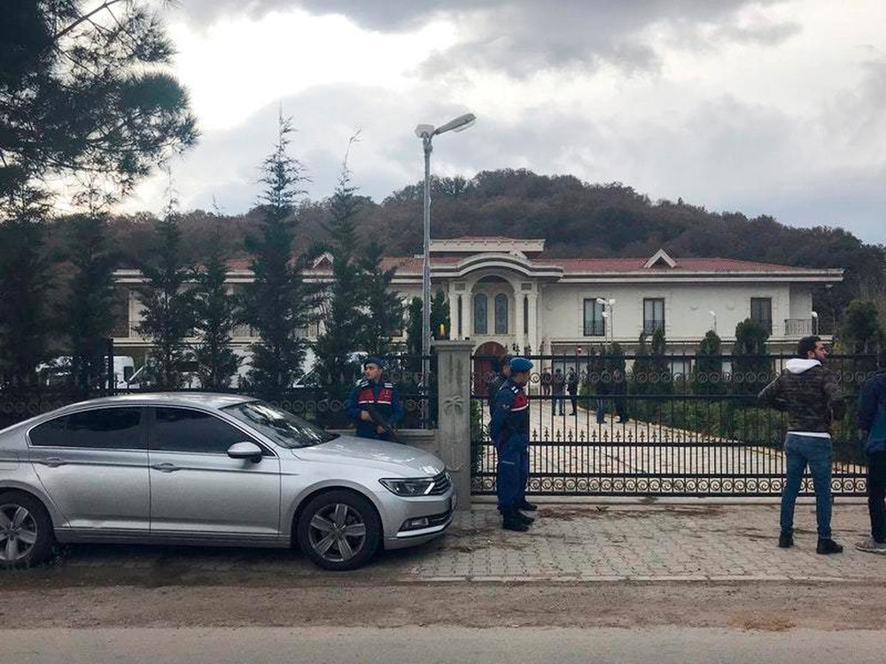Turkish police search Saudi's villa for 'Khashoggi remains'