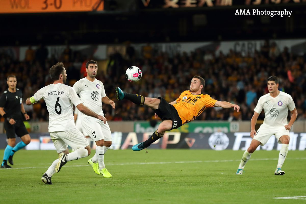 Diogo Jota of Wolverhampton Wanderers scores a goal to make it 4-0 (AMA)