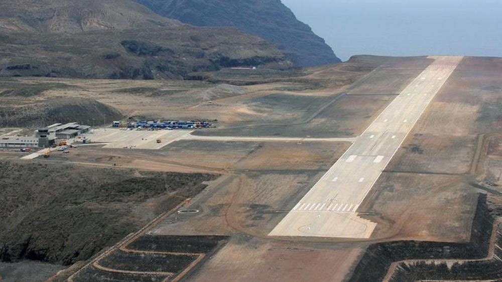 Remote island St Helena gets flights