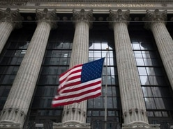 Retailers and airlines lift US stocks higher